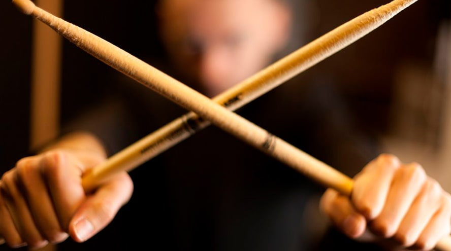 ¿Sabes cómo coger las baquetas? Musicopolix te ofrece los mejores consejos