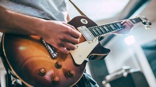 ¿Sabes cómo elegir tu guitarra eléctrica? Musicopolix te presenta las mejores opciones